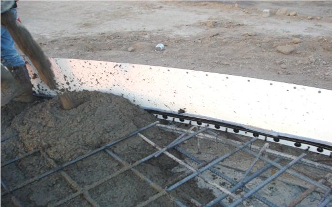 Vaciado de la losa se procede con el vaciado monolítico de la losa de piso del tanque